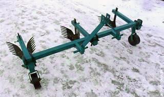 Окучник культиватор 3 корпусный для трактора