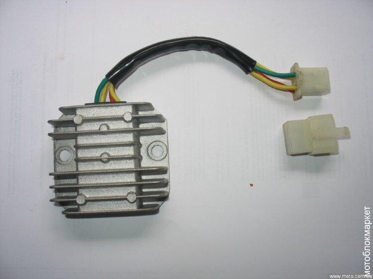 Регулятор напряжения Crosser CR-M8E/M10E/M12E